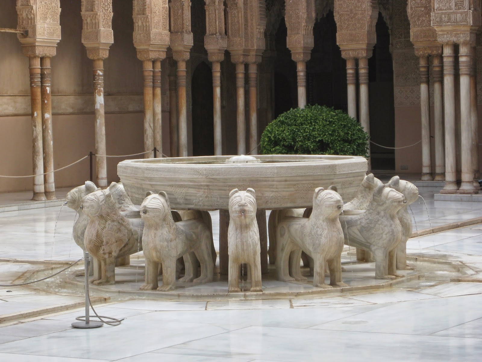 Granada - Fountain in The Court of the Lions