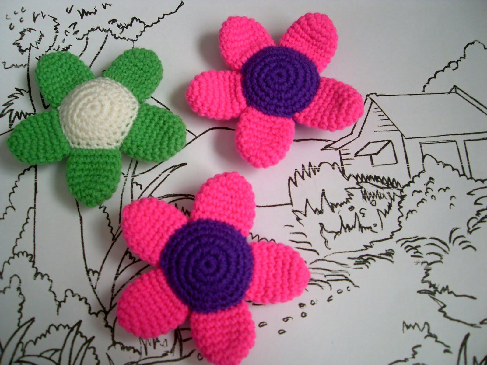 Free Amigurumi Monkey Crochet Patterns : Crochet.is.Fun: Free pattern: flower amigurumi