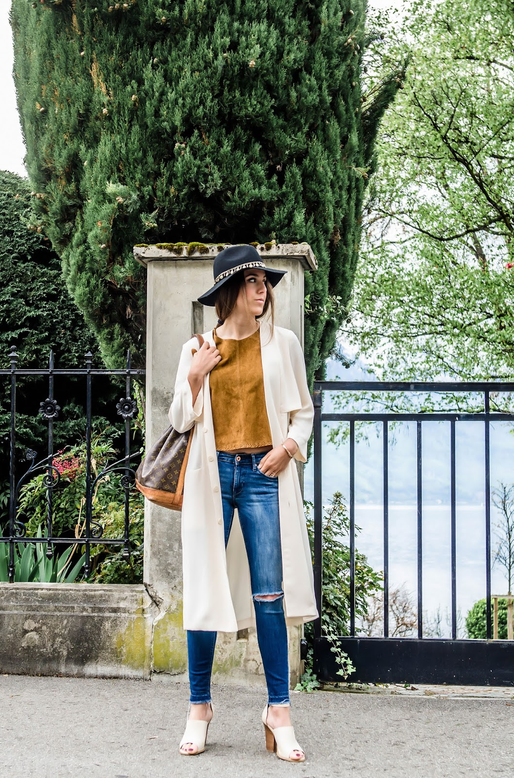alison liaudat, blog mode suisee, swiss fashion blogger, blog from switzerland, beauty blogger von der Schweiz, hat, asos, zara, suede trend spring 2015, louis vuitton vintage, aldo, H&M