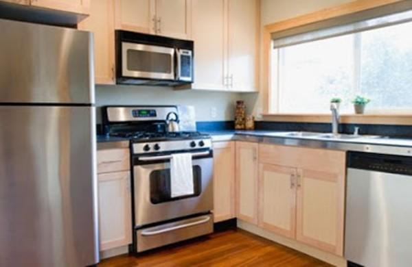 Dekorasi interior ruang dapur ukuran kecil