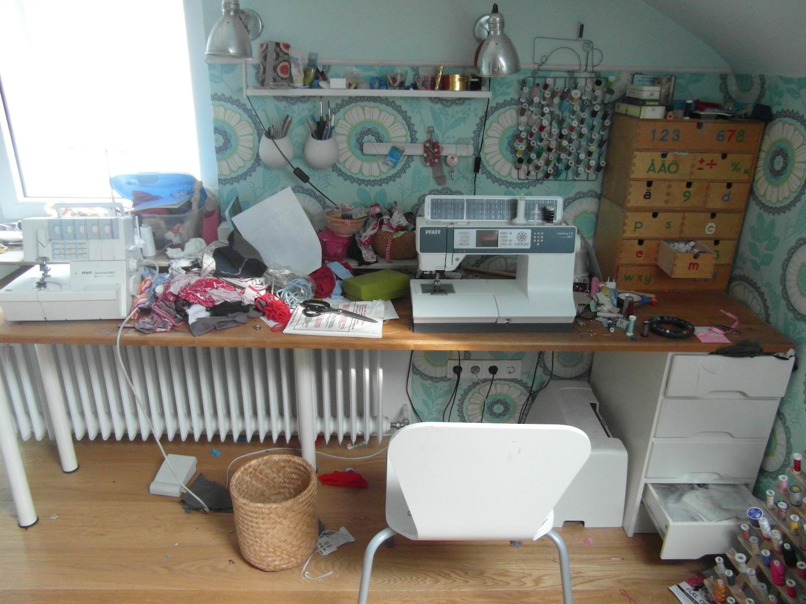 Nähzimmer Einrichten sewing addicted naehsucht mein nähzimmer aufräumen oder umräumen