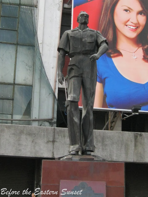 Statue of Arsenio Lacson