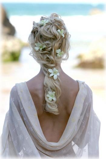 Сделал, для вас, подборочку фото свадебных причесок.  Это наверно, дар Божий - умение делать людей красивыми...