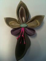 Kanzashi - Japanese fabric flowers with Bira Bira Orchid