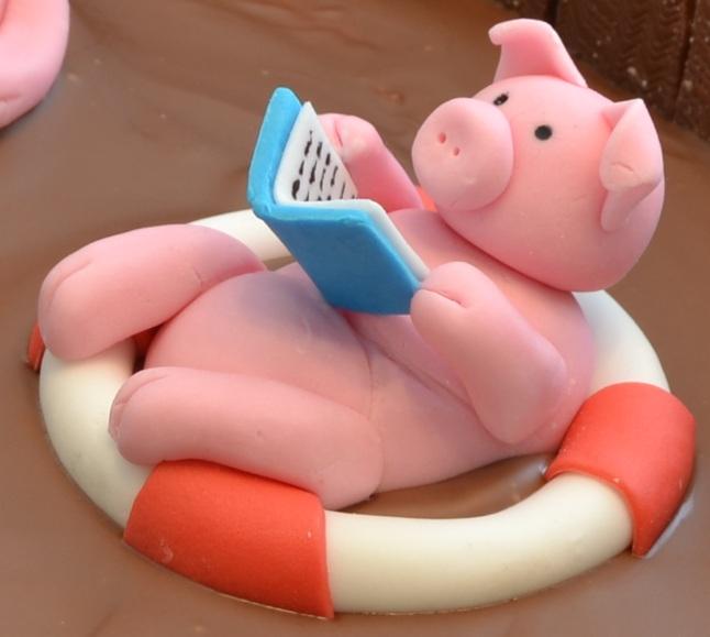 How To Make Swimming Pig Cake