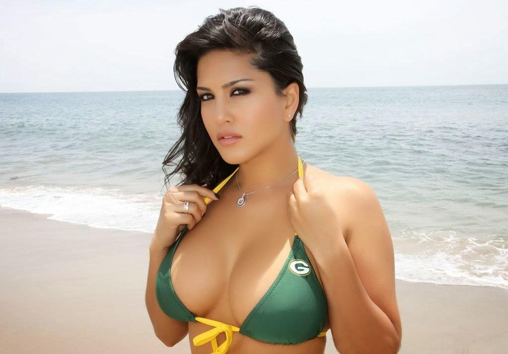 Sunny Leone Hot Bikini