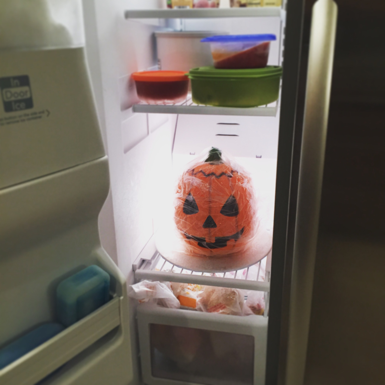 The Horrors of Halloween: HALLOWEEN III Silver Shamrock Masks Yard ...