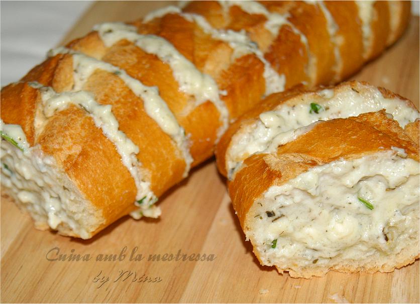 Pan con gorgonzola y finas hierbas...