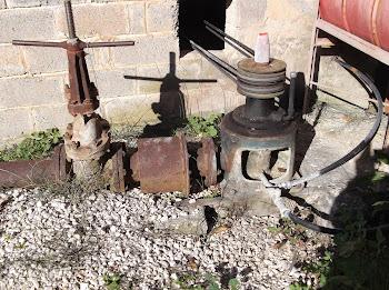 Το Τεχνικό μας γραφείο αναλαμβάνει: άδειες γεωτρήσεων - άδειες χρήσης νερού