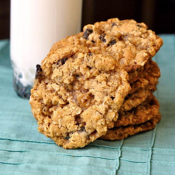 the best oatmeal cookies i really love a good oatmeal raisin cookie it ...