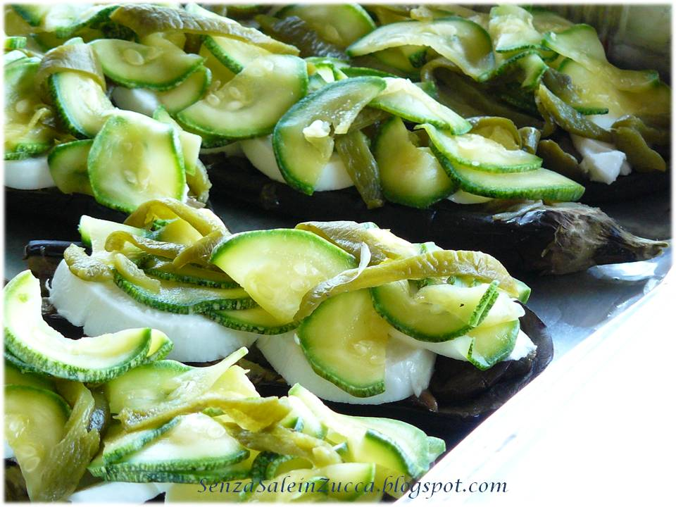 Senza sale in zucca barchette di melanzane - Forno a microonde piccolissimo ...