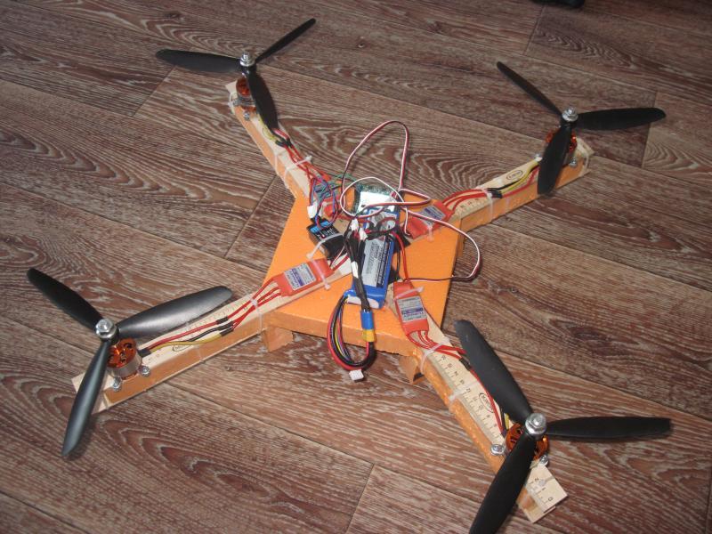 Квадрокоптер своими руками с пультом 755