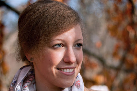Das Mittel für die Verbesserung des Haarwuchses bei den Frauen