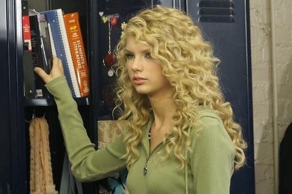 Populaire préféré ElycherryBeauty: Cheveux frisée style Taylor Swift @PY_62
