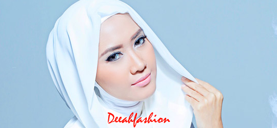 Inspirasi Jilbab Putih HoodieKlasik