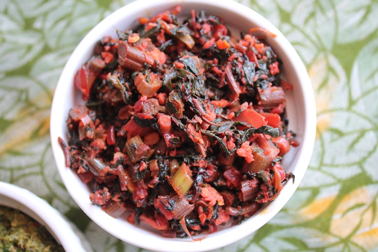 Keerai Thandu Poriyal Recipe / Red Thandu Keerai Poriyal Recipe / Spinach Stalk Poriyal Recipe