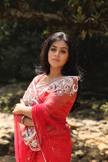 Poorna Pictures from latest telugu Movie 016.jpg
