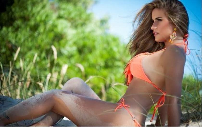 secretaria de pepe mujica en bikini y pechos