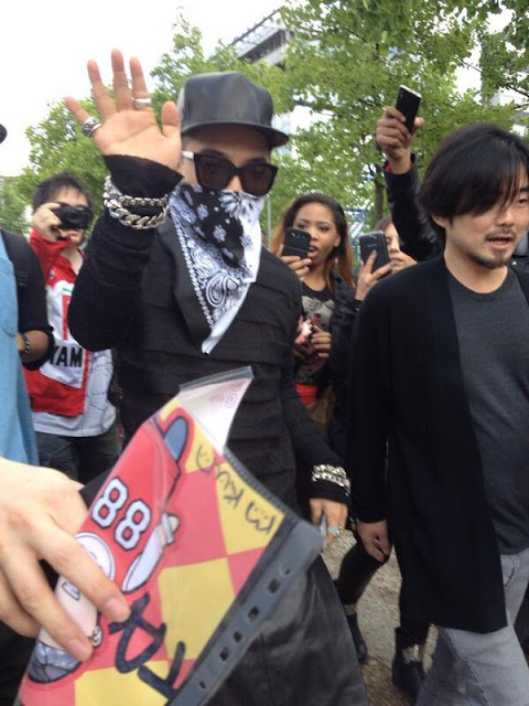 taeyang paris men's fashion week 2013 rick owens