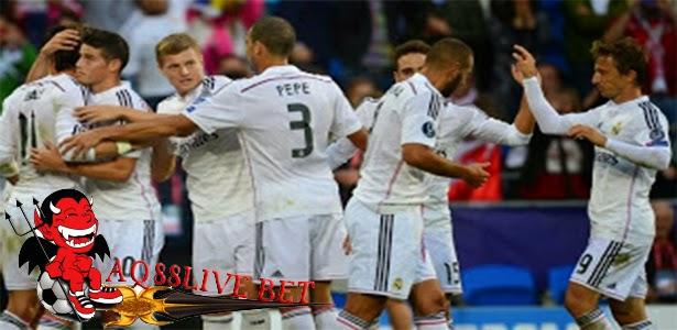 Agen Togel Terpercaya - Kinerja Carlo Ancelotti bersama Real Madrid, sudah mendapatkan banyak pujian dari sejumlah pengamat sepak bola, bahkan tidak luput dari pelatih timnas Spanyol, Vicente del Bosque, juga ikut memberikan pendapat akan keberhasilan Real Madrid saat ini.