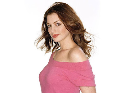 Anne Hathaway Lovely Wallpaper