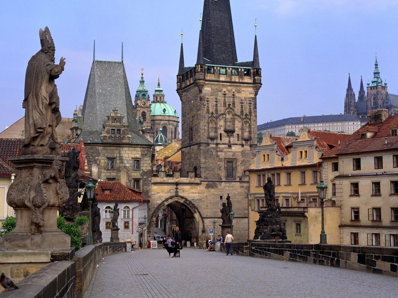 http://4.bp.blogspot.com/-vZ0mk85yHbk/UTEIWM3jTwI/AAAAAAAABuI/7X9H1nLqACk/s1600/Charles_Bridge_Prague_Czech_Republic-Wallpaper.jpg