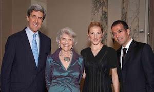 «وانسا کری»دختر کوچک جان کری از همسر اولش، با یک پزشک ایرانی ساکن آمریکا ازدواج کرده است.
