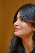 Shruti Haasan Glam pics-thumbnail-41