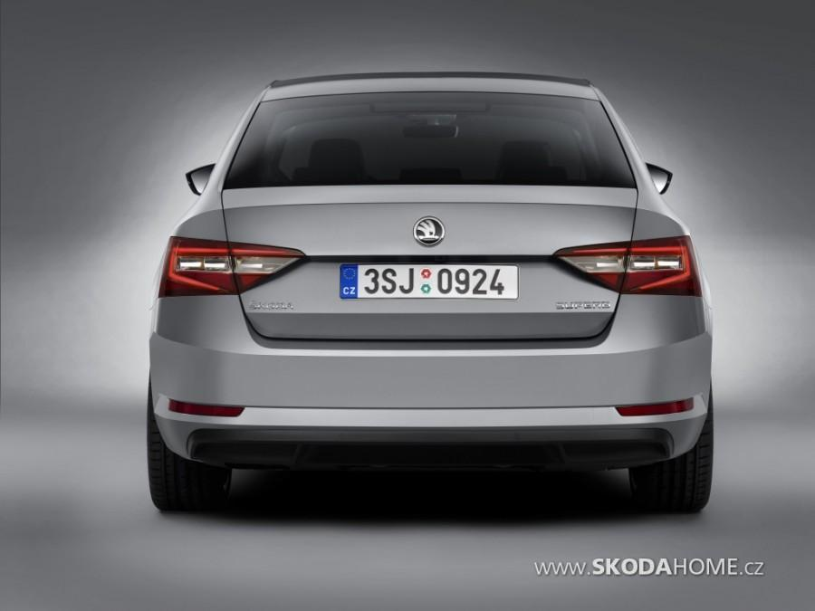 Skoda-Superb-6.jpg