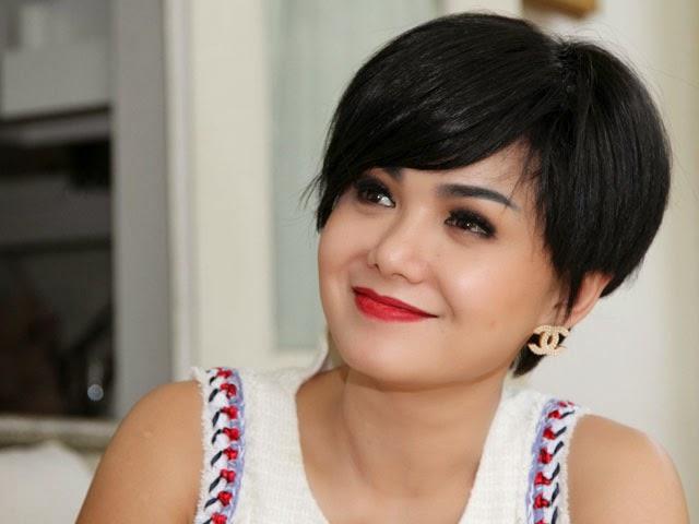 Foto Model Rambut Yuni Shara