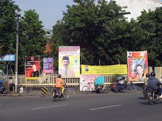 Ramai baliho di indonesia