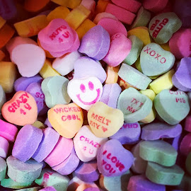 ♥ Happy Valentine's Day! I want candy_hearts and chocolates from Dylan's Candy Bar!