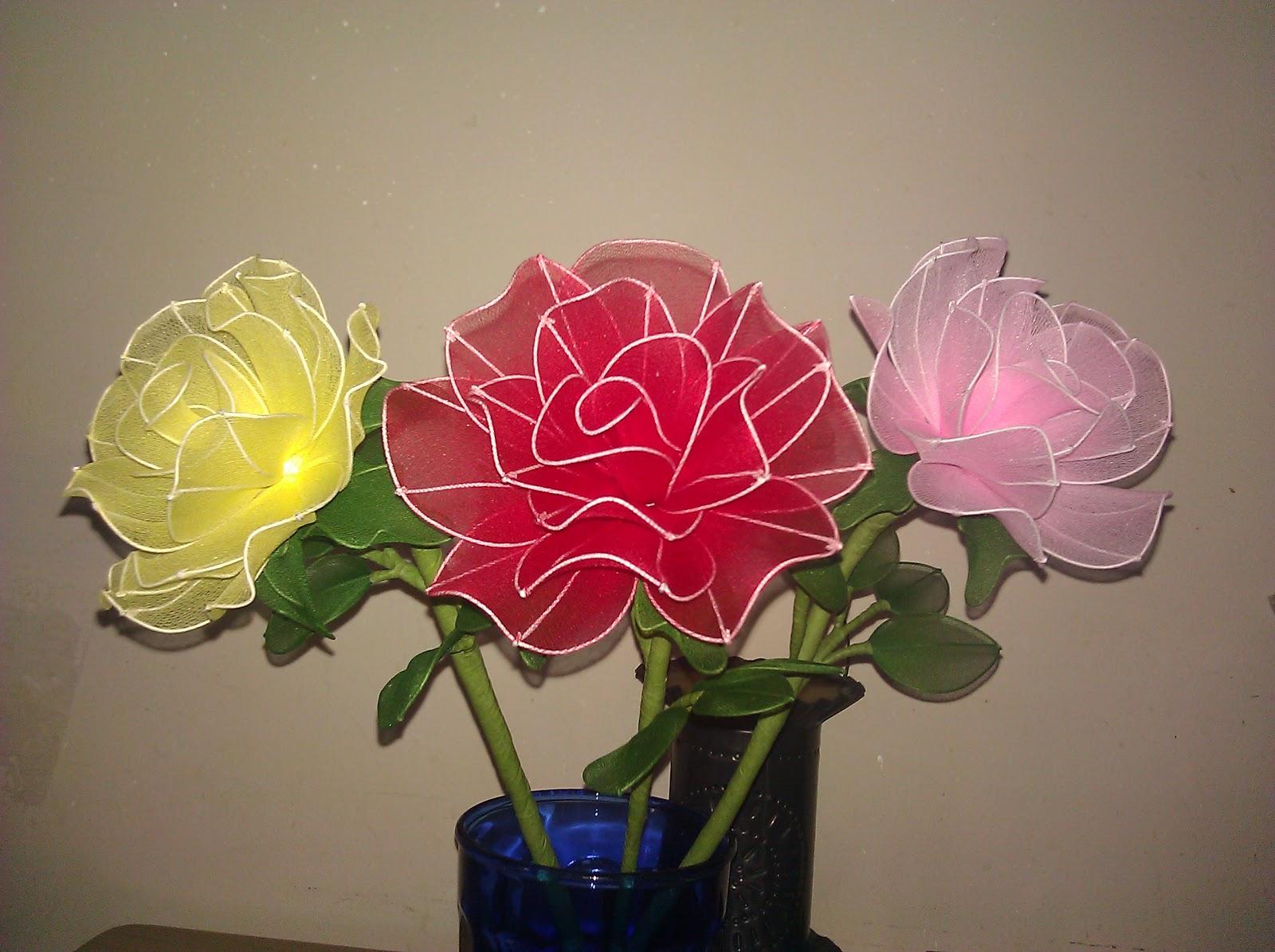 Nylon flowers flores de nylon echas por leon jeronez - Flores de telas hechas a mano ...