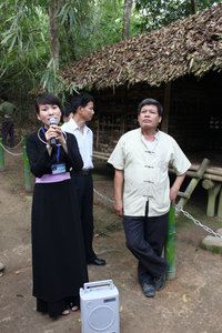 A Tày ethnic girl at Nà Lừa stilt house