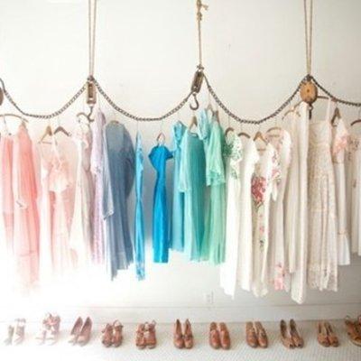 Fashionerias decorar tienda de ropa for Colgadores para ropa