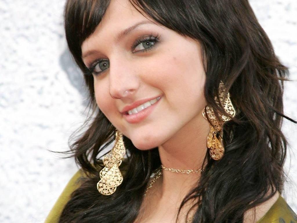 http://4.bp.blogspot.com/-v_NJbiaUGbk/TxEVkoZMXyI/AAAAAAAANfU/DQKdNd1X2i4/s1600/Ashlee+Simpson+%25283%2529.jpg