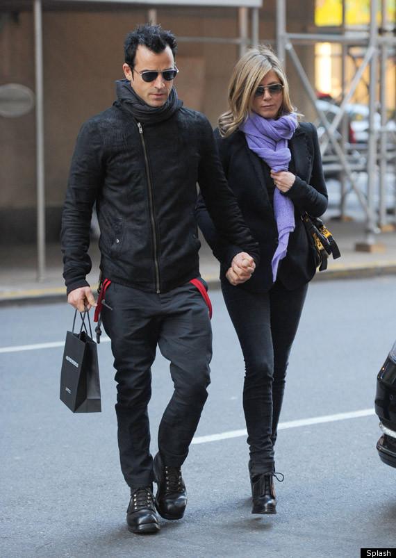 Hvem er Jennifer Aniston dating dagens samfunn forsterker