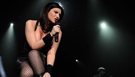 #LauraPausini se #Desnuda durante un #concierto en #Lima