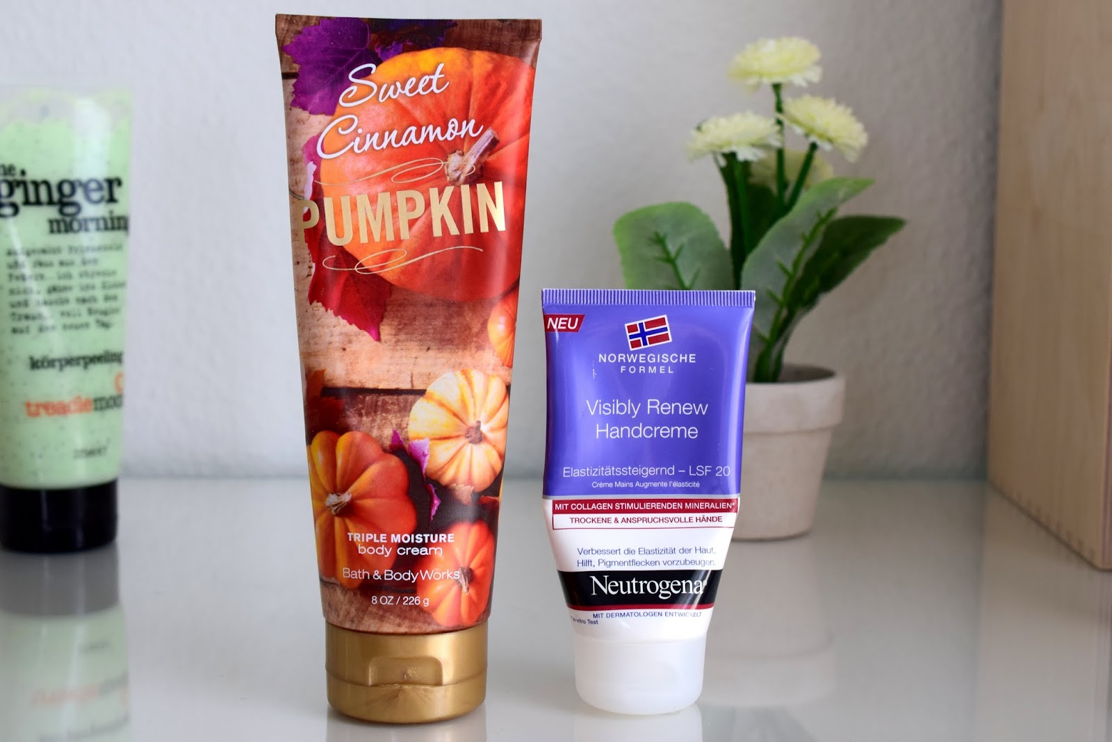 Beauty Favoriten im März: Bath and Body Works Sweet Cinnamon Pumpkin und Neutrogena Visibly Renew Handcreme