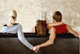 Tanda Pasangan yang Berselingkuh