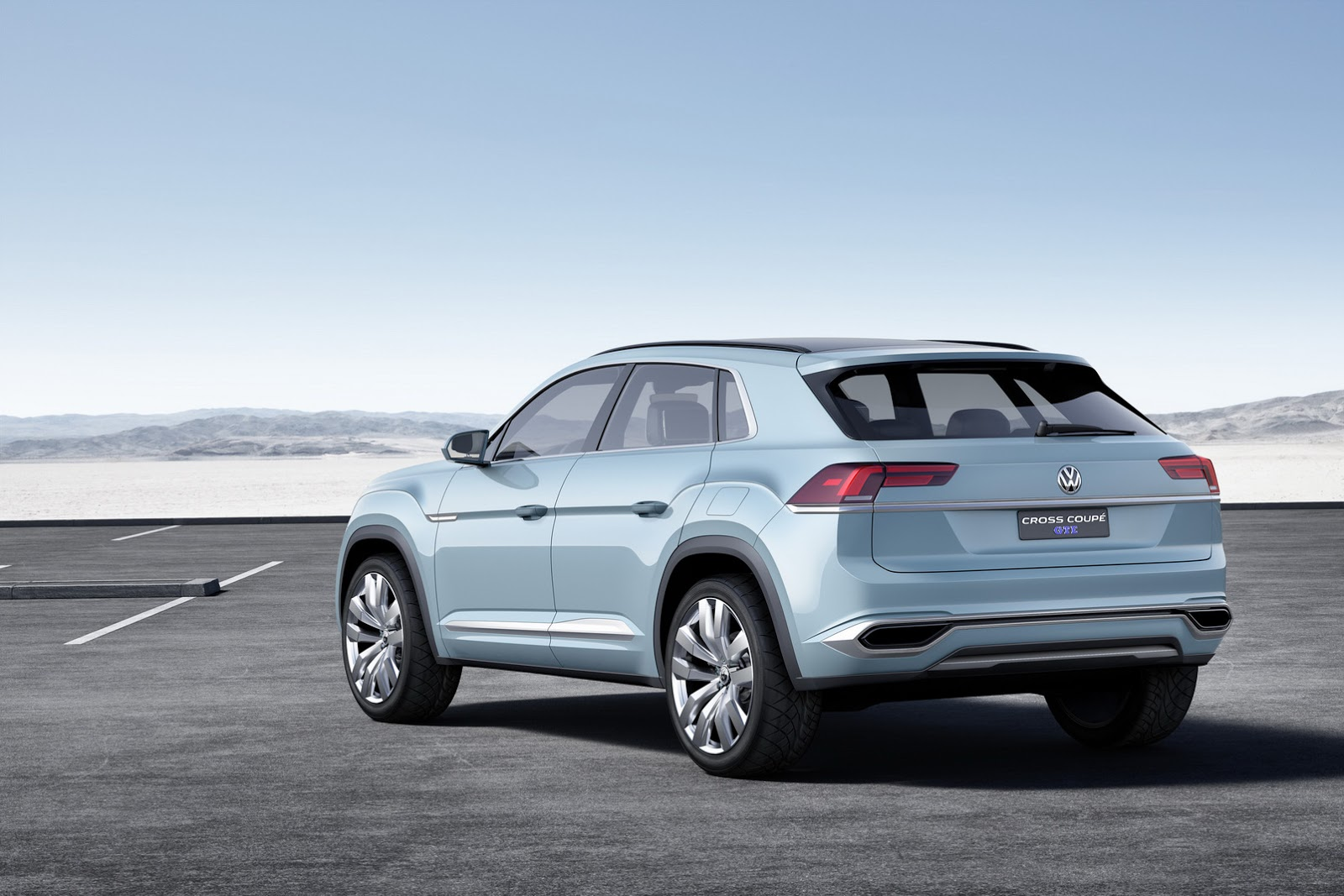 vw cross coupe gte concept hints at new mid size crossover for u s carscoops. Black Bedroom Furniture Sets. Home Design Ideas