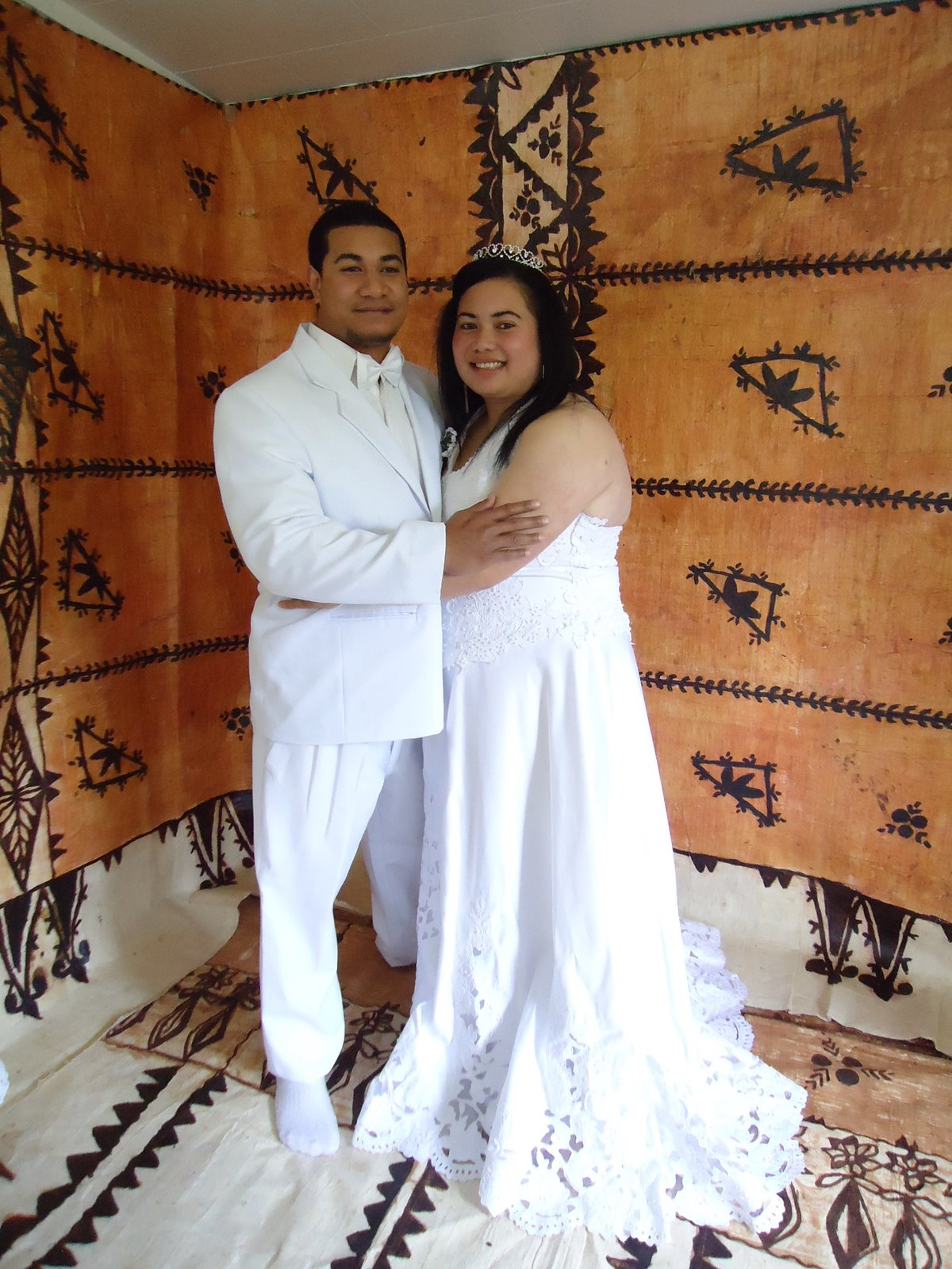 Tonga Traditional Wedding Dress http://auckland-waitakerecelebrant.blogspot.com/2011_09_01_archive.html