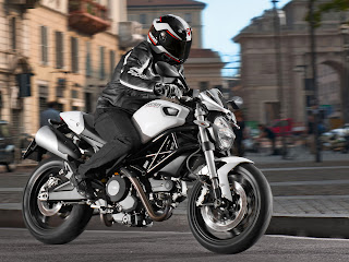 2013 ducati monster 696 motorcycle photos - picture 3