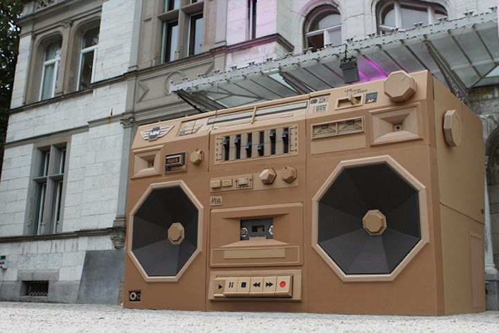 Photo by Katie Hosmer - http://www.mymodernmet.com/profiles/blogs/bartek-elsner-mini-ghettoblaster-the-paper-stuff