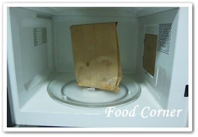 Popcorn in Microwave