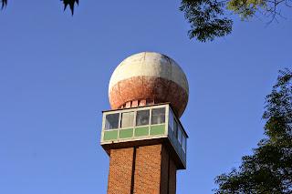 Kuppel des ehemaligen Radarturms