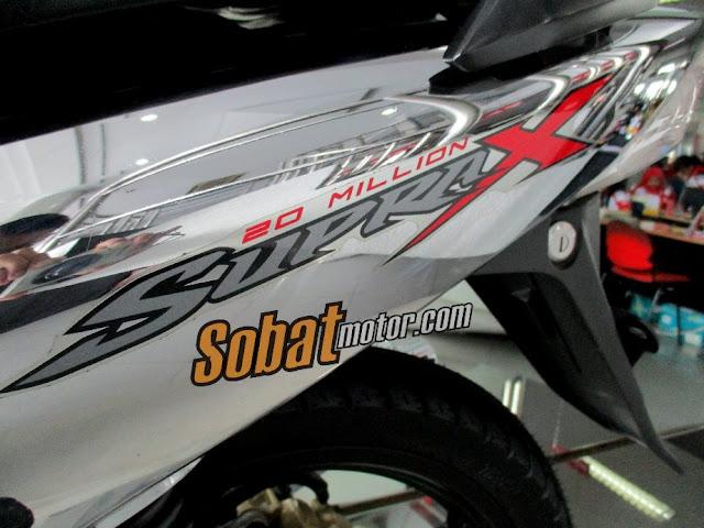 Modifikasi Honda Supra X 125 berlabur chrome untuk merayakan 20 Million production achievement PT Astra Honda Motor ini lumayan juga . .