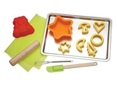 se pueden hacer muchas recetas divertidas para los chicos como galletas decoradas con glas panes tortas bombones de chocolates o merengues