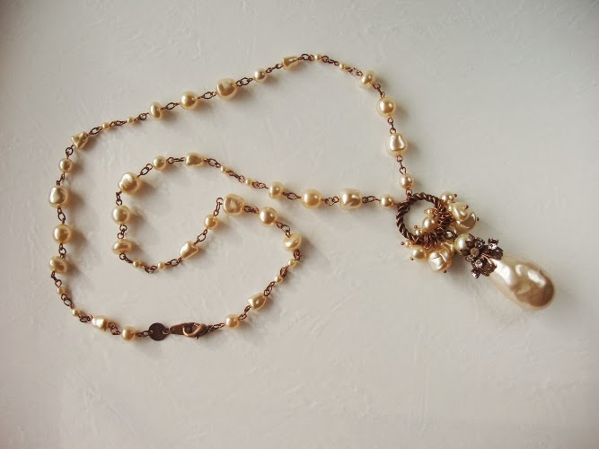 Jewelry by mdmButiik Estonia Sautoir perles de verre nacre ancienne Halskette alt anik perlen