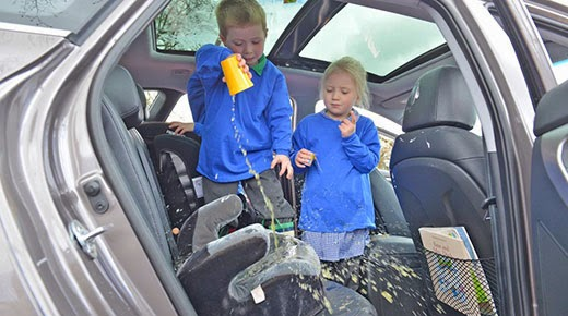 how to remove stains in leather seats 1carwash. Black Bedroom Furniture Sets. Home Design Ideas